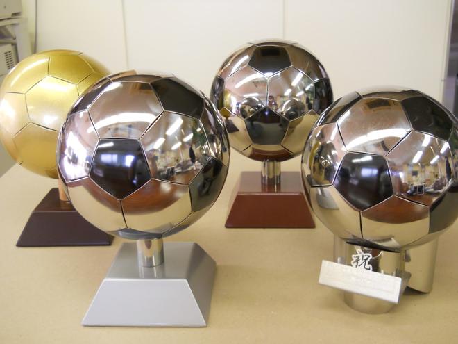 ステンレス製サッカーボール02