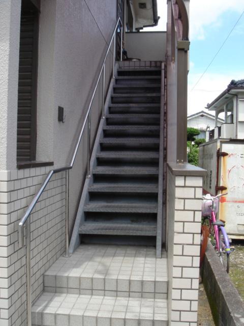玄関登り口階段01_施工後
